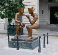 two statues talking